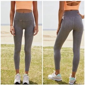 FLAWS—Free People Leggings M/L